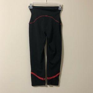 Spanx Legging Small Pants Capri Black Key Pocket